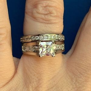 Jewelry - Stunning 1.5 tcw Moissanite 2pc set NWT